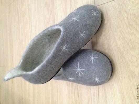 """Обувь ручной работы. Ярмарка Мастеров - ручная работа. Купить Тапочки женские """" Зимние """". Handmade. Серый"""