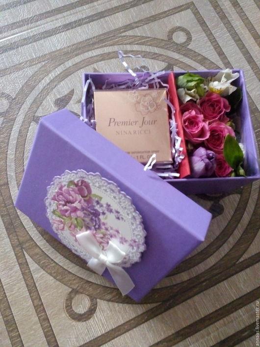 Данная коробочка выполнена на заказ и подобрана под подарок
