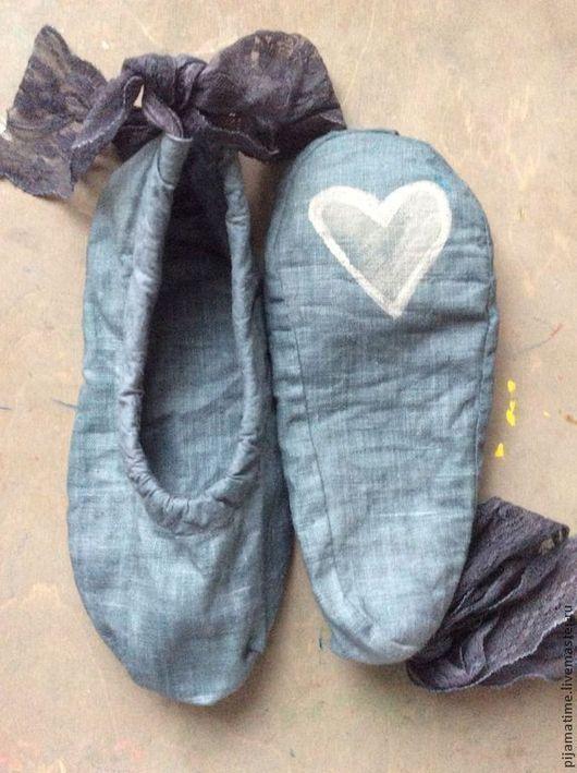 Обувь ручной работы. Ярмарка Мастеров - ручная работа. Купить Льняные балетки для дома с рисунком на пятке, экологичные и прочные. Handmade.