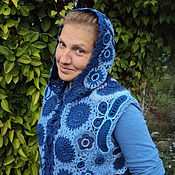 Одежда ручной работы. Ярмарка Мастеров - ручная работа жилет вязаный с капюшоном. Handmade.
