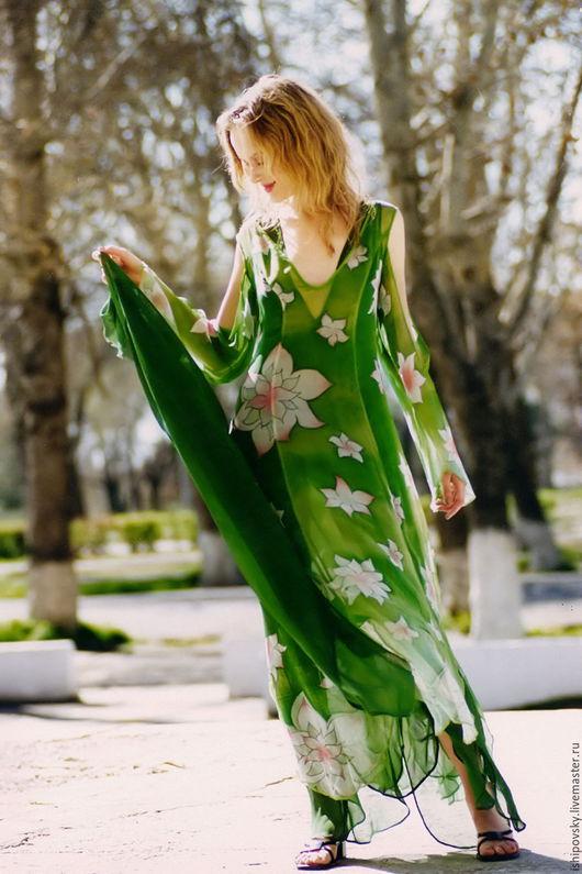 Платья ручной работы. Ярмарка Мастеров - ручная работа. Купить Платье из ткани, расписанной вручную. Handmade. Зеленый, цветочный узор