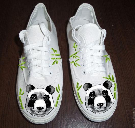 """Обувь ручной работы. Ярмарка Мастеров - ручная работа. Купить Кеды женские с рисунком на заказ """"Панды"""". Роспись. Handmade."""