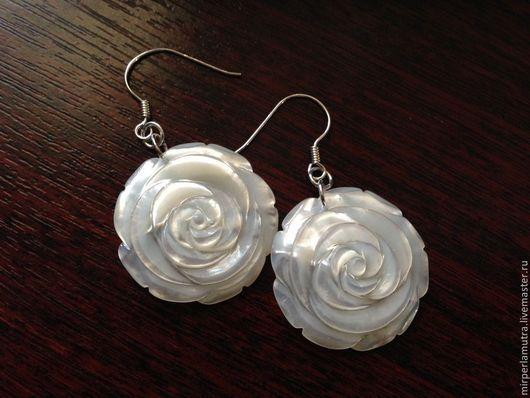 """Серьги ручной работы. Ярмарка Мастеров - ручная работа. Купить Серьги """"Роза 25"""" (Серебро+Перламутр). Handmade. Перламутр, розы, серебро"""