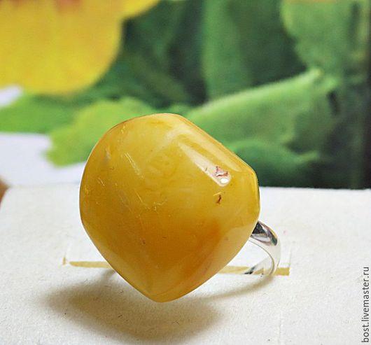 Кольца ручной работы. Ярмарка Мастеров - ручная работа. Купить Серебряное кольцо с природным  янтарем № 2. Handmade. Украшение