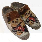 """Обувь ручной работы handmade. Livemaster - original item Тапочки мужские валяные """"А я уеду в деревню к деду!"""". Handmade."""