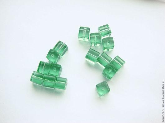 """Для украшений ручной работы. Ярмарка Мастеров - ручная работа. Купить Кубические стеклянные бусины """"Зелень"""". Handmade. Мятный, куб"""