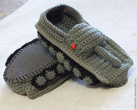 """Обувь ручной работы. Ярмарка Мастеров - ручная работа. Купить Тапки """"ТАНКИ"""" полынь, крючком. Handmade. Тапочки домашние"""