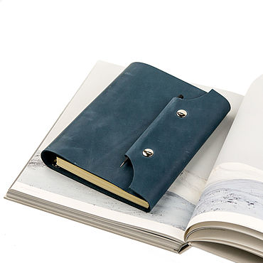 Stationery handmade. Livemaster - original item Leather notebook A5 on the rings, closing with a magnetic snap. Handmade.