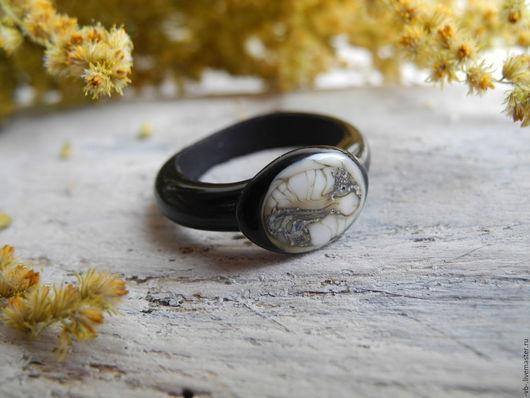 Кольца ручной работы. Ярмарка Мастеров - ручная работа. Купить Авторское кольцо лэмпворк. Handmade. Черный, дизайнерское кольцо