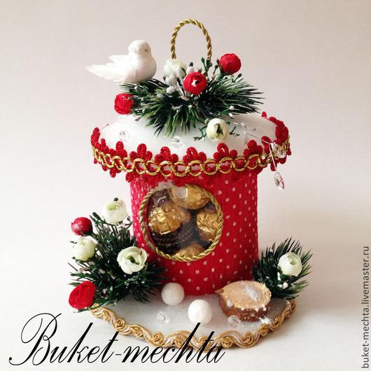Букеты ручной работы. Ярмарка Мастеров - ручная работа. Купить Новогодний домик с конфетами Ferrero Rosher. Handmade. Ярко-красный