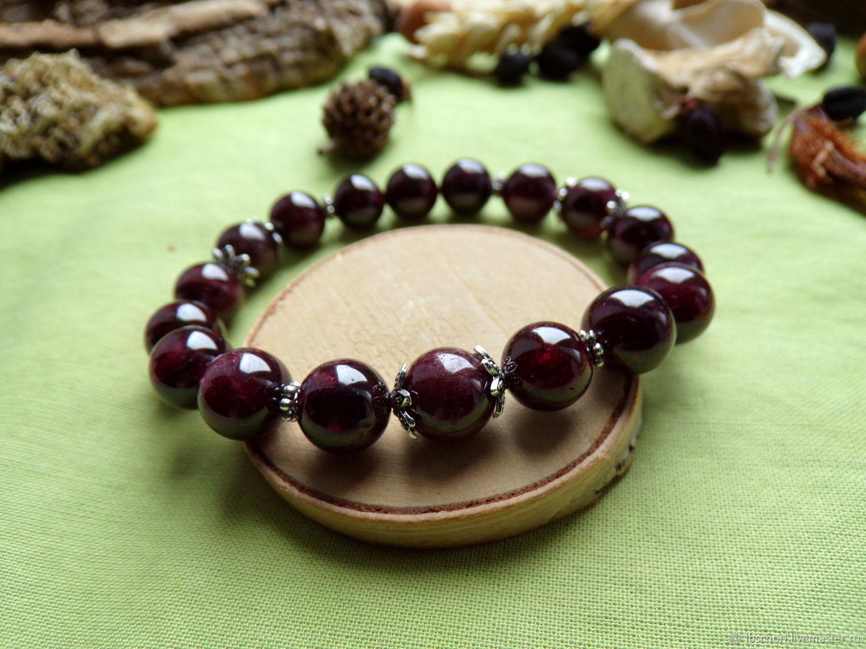 Bracelet with almandine, Amulet, Ekaterinburg,  Фото №1