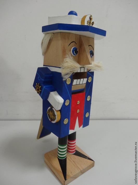 """Коллекционные куклы ручной работы. Ярмарка Мастеров - ручная работа. Купить Щелкунчик орехокол настоящий действующий деревянный  """"Шкипер"""". Handmade."""