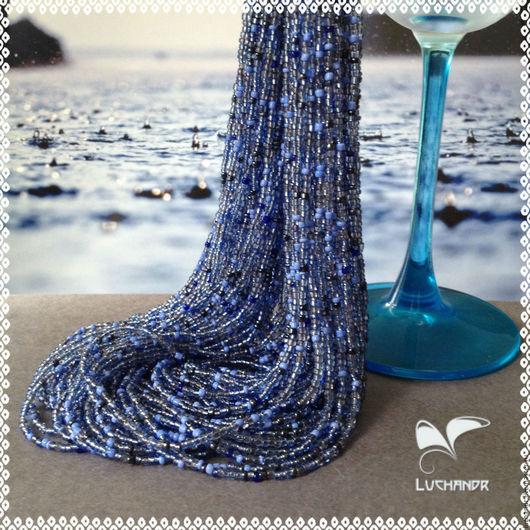 Капли дождя - голубой, синий, серый, бисерные нити, короткое бисерное колье, многорядные бисерные бусы, колье из бисера, авторское украшение Юлии Лозбеневой. Luchandr