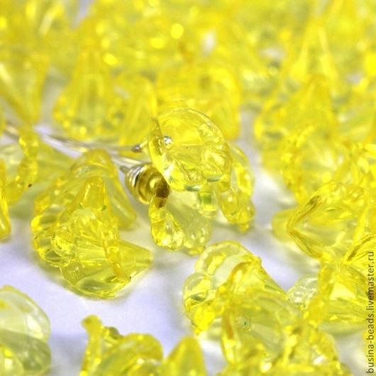 Бусины акриловые прозрачные в форме цветка Каллы для использования в сборке украшений в качестве бусин или подвесок\r\nЦвет бусин желтый