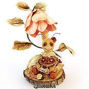 """Мягкие игрушки ручной работы. Ярмарка Мастеров - ручная работа """"Пчела-рукодельница"""" Пчелка, композиция смешанной технике. Handmade."""