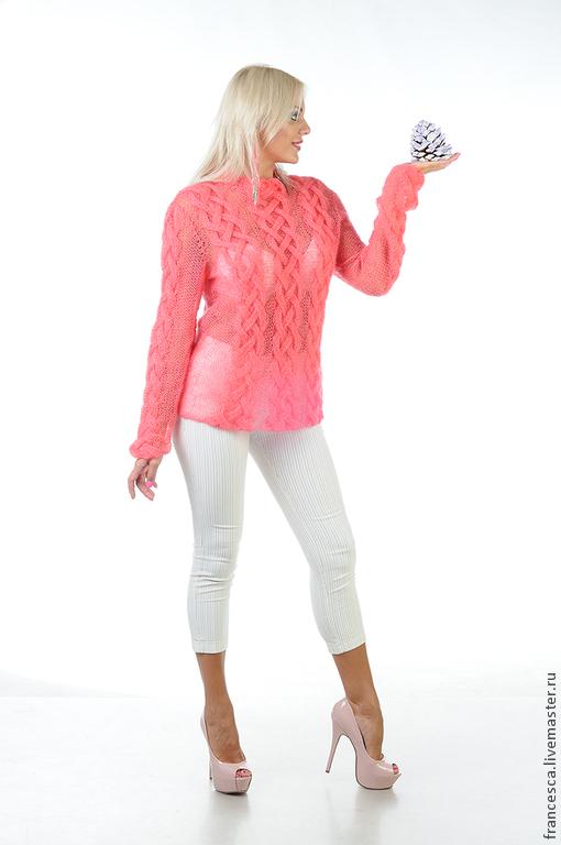 Женский свитер из мохера