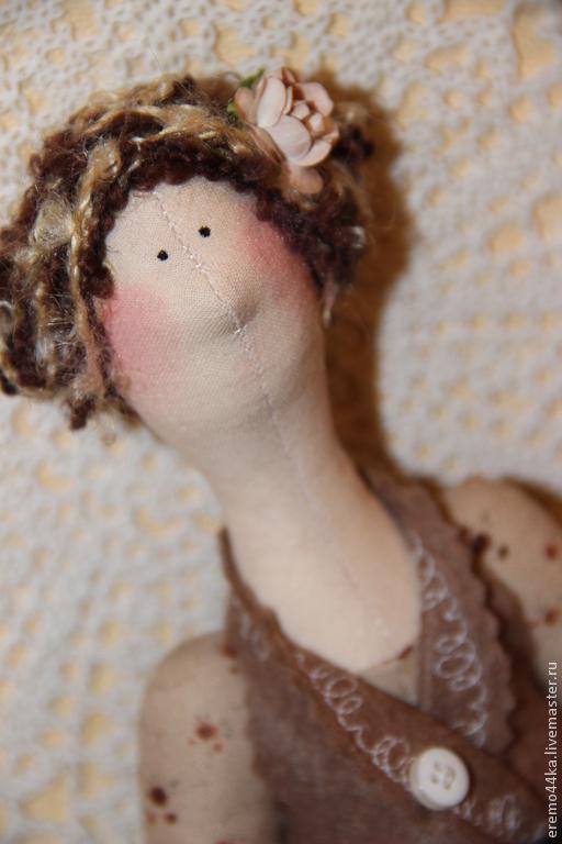 Куклы Тильды ручной работы. Ярмарка Мастеров - ручная работа. Купить Кофейная Тильда  с открыткой в Бохо стиле. Handmade. Коричневый