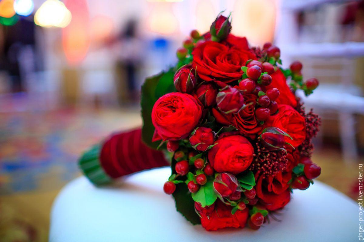 Букеты из красных цветов
