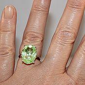 """Кольцо """"Menta"""" перидот, 750 золото"""