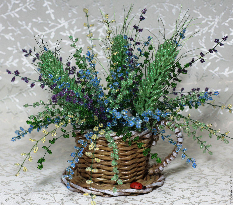 Цветы из бисера и клея