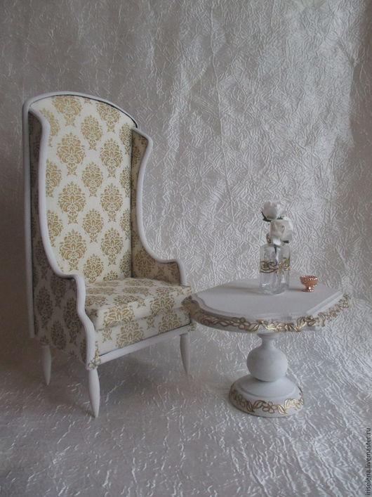 """Кукольный дом ручной работы. Ярмарка Мастеров - ручная работа. Купить Дуэт""""Роскошь Золота""""(кресло и кофейный столик) Для кукол от 14 до 25см. Handmade."""