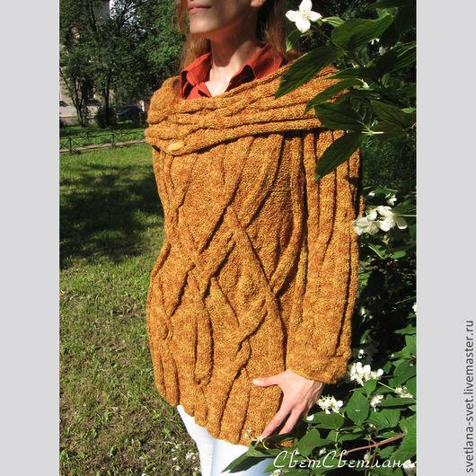 Этот замечательный уютный свитер очень мягкий и легкий. В нем будет комфортно. Выглядит он очень нарядно и оригинально. Очень необычно смотрится широкий ворот, который можно носить в виде `хомута` или