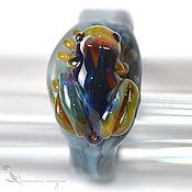 Украшения ручной работы. Ярмарка Мастеров - ручная работа Кольцо 20 размер Лягушка Полуночница лэмпворк стекло серый радуга. Handmade.