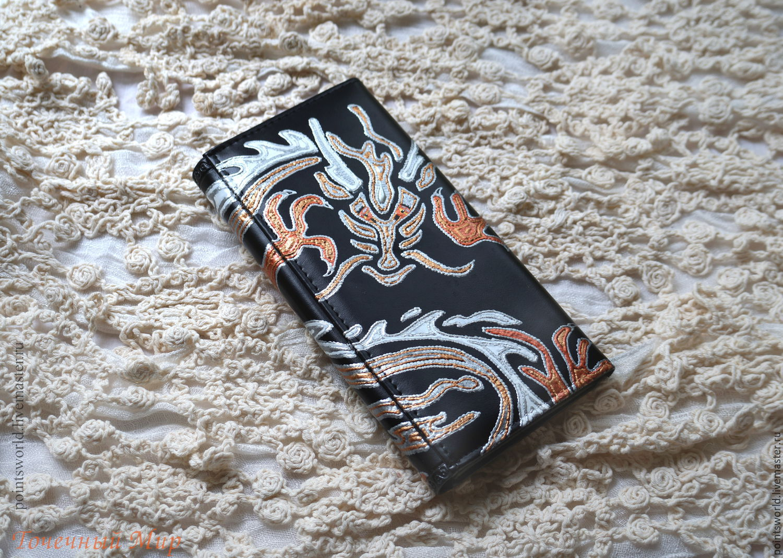 Кошелек из кожзама, кошелек с росписью `Дракон`, аксессуары с ручной росписью, восточный узор, подарок женщине