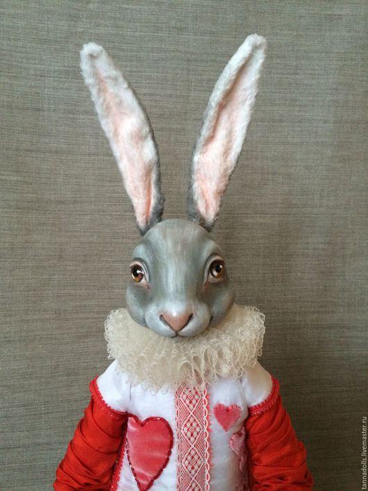 Коллекционные куклы ручной работы. Ярмарка Мастеров - ручная работа. Купить Белый Кролик в костюме червонного валета. Handmade. кролик