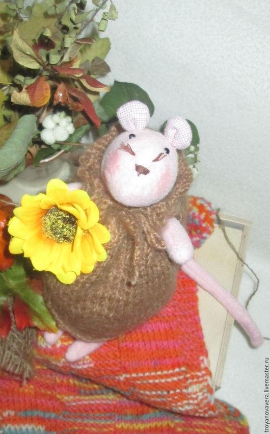 Куклы Тильды ручной работы. Ярмарка Мастеров - ручная работа. Купить Мышка на осенней прогулке. Handmade. Бледно-розовый, мохер