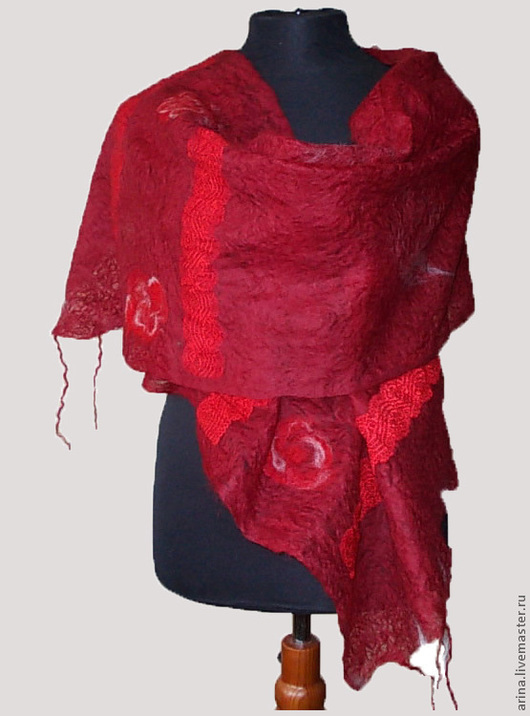 """Шали, палантины ручной работы. Ярмарка Мастеров - ручная работа. Купить валяный шарф-паутинка """"Рубиновый"""". Handmade. Шарф женский"""
