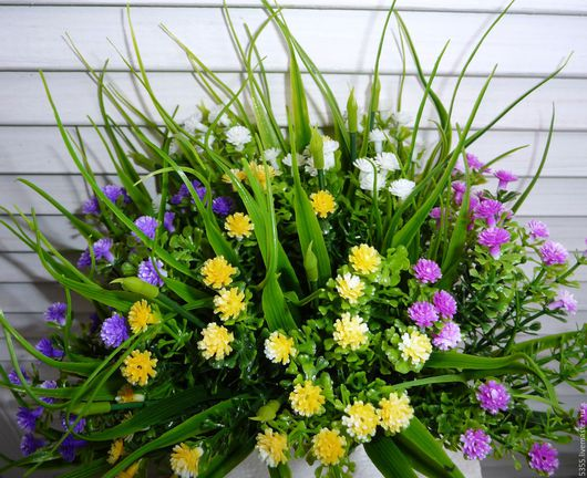 Кустик зелени с разноцветным  мелкоцветом. Флористическая вставка в букеты и композиции. Эффектное наполнение для букетов и корзин. Зелень для флористики. Палочка-выручалочка.