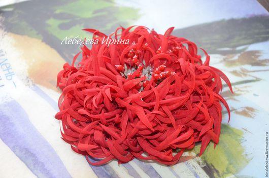 Броши ручной работы. Ярмарка Мастеров - ручная работа. Купить Цветы из шелка. Хризантема красная. Handmade. Цветы из ткани, хризантема
