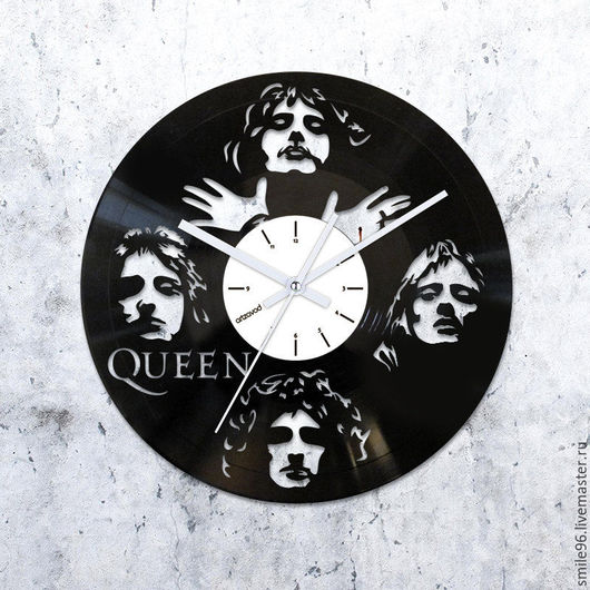 """Часы для дома ручной работы. Ярмарка Мастеров - ручная работа. Купить Часы из пластинки """"The Queen"""". Handmade. Комбинированный, queen"""