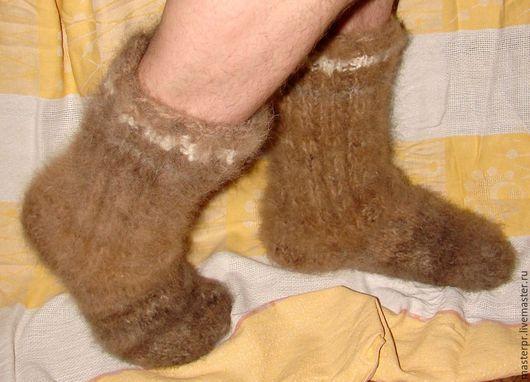 Носки супертолстые из собачьей шерсти (артикул 52 м) Ручное прядение .Ручное вязание. Нитка «живая» .Пряжа пуховая. Размер носков 44, однако, они также подходят для 43-45. Общий вес пары носков –