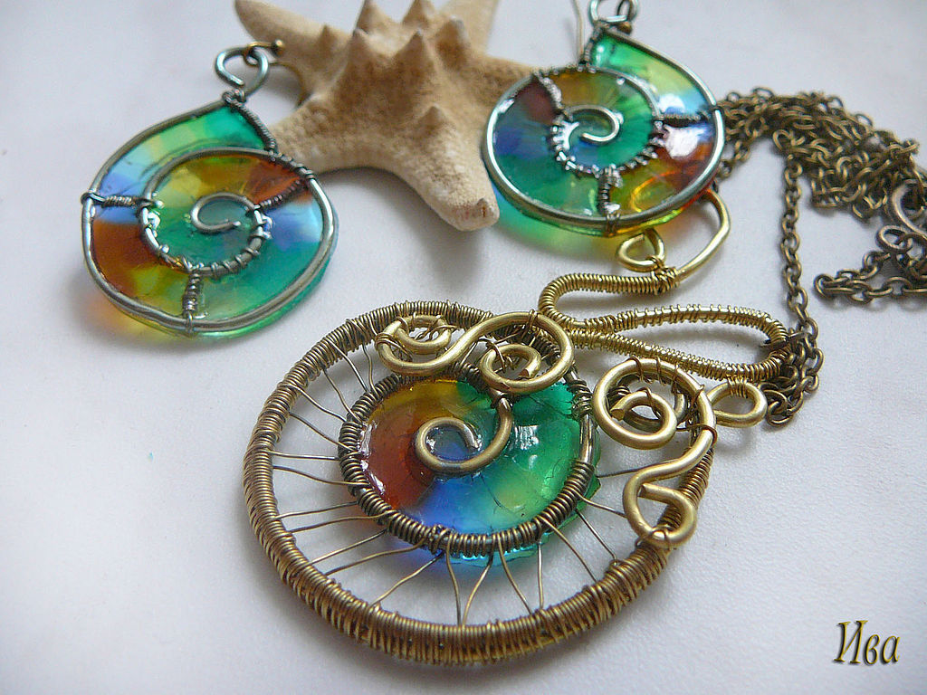 Jewelry Sets handmade. Livemaster - handmade. Buy Earrings brass with stained glass inserts 'Other snails'.Wire wrap