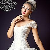 Одежда ручной работы. Ярмарка Мастеров - ручная работа Утягивающий корсет «Белая лилия» с лямками  кружевной свадебный. Handmade.