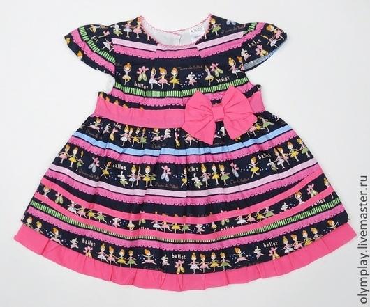 Платье выполнено из 100% хлопка, с подкладкой - также из хлопка. Короткие рукава.