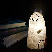 Для дома и интерьера ручной работы. Ярмарка Мастеров - ручная работа Светильник войлочный Кошка с котятами. Handmade.