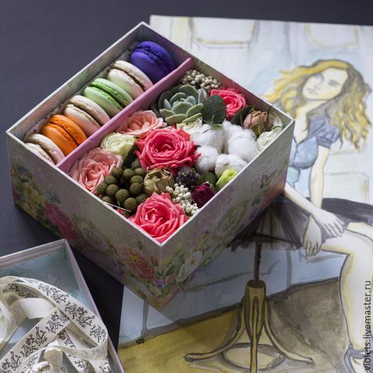 Интерьерные композиции ручной работы. Ярмарка Мастеров - ручная работа. Купить Коробочка с живыми цветами и макарони Нежность. Handmade. Коробочка