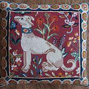 """Для дома и интерьера ручной работы. Ярмарка Мастеров - ручная работа Подушка """"Средневековая собака"""". Handmade."""