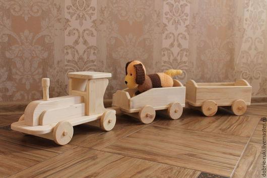 Вальдорфская игрушка ручной работы. Ярмарка Мастеров - ручная работа. Купить Паровозик с двумя вагонами. Handmade. Бежевый, деревянные игрушки
