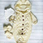 Комбинезоны ручной работы. Ярмарка Мастеров - ручная работа Детский вязаный комплект комбинезон одежда новорожденный. Handmade.