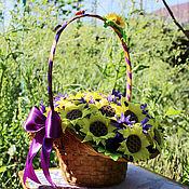 Цветы и флористика ручной работы. Ярмарка Мастеров - ручная работа Корзина подсолнухов из конфет. Handmade.