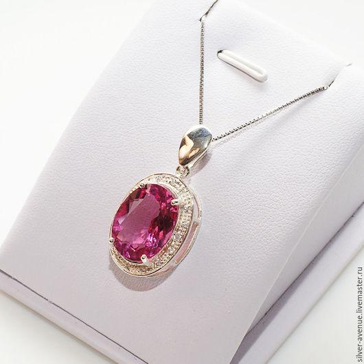 Кулон с розовым топазом (9,65ct.) и сапфирами, серебро 925