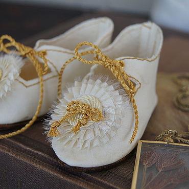 """Куклы и игрушки ручной работы. Ярмарка Мастеров - ручная работа Обувь для Антикварной и современной куклы """"Golden Bow"""". Handmade."""