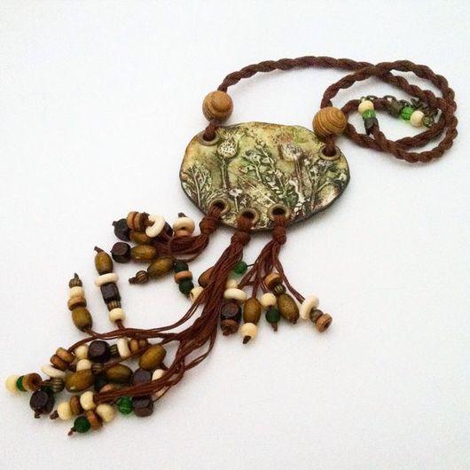 Колье, бусы ручной работы. Ярмарка Мастеров - ручная работа. Купить Кулон из полимерной глины ТРАВА-МУРАВА. Handmade. Хаки
