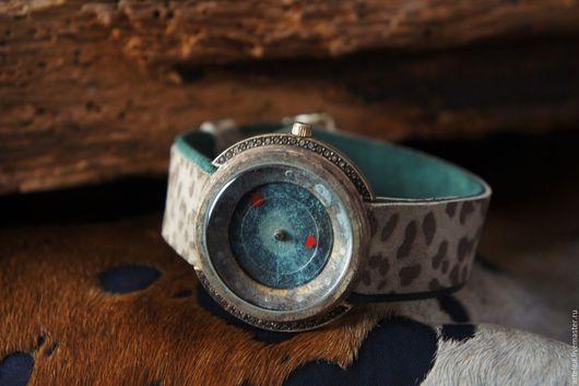 Леопард, винтаж, часы наручные, сафари, часы под старину, зеленый, леопардовый принт, бежевый цвет.