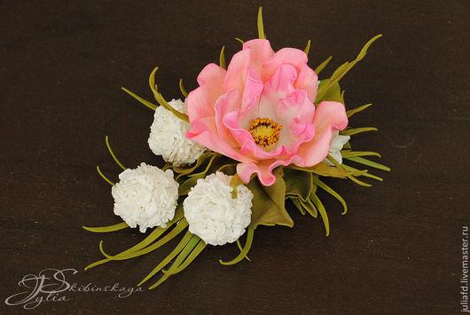 """Заколки ручной работы. Ярмарка Мастеров - ручная работа. Купить Заколка-зажим """"Шиповник"""". Handmade. Розовый, цветы из фоамирана, фоамиран"""