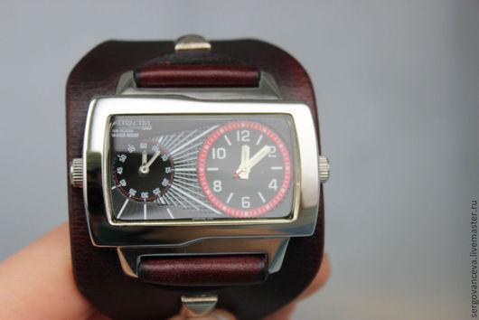 """Часы ручной работы. Ярмарка Мастеров - ручная работа. Купить Часы наручные """"Duos"""". Handmade. Бордовый, часы женские"""